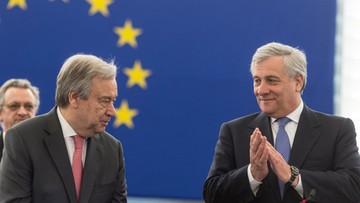 """""""Ukraina wraca do europejskiej rodziny"""". W PE podpisano porozumienie w sprawie zniesienia wiz dla Ukraińców"""