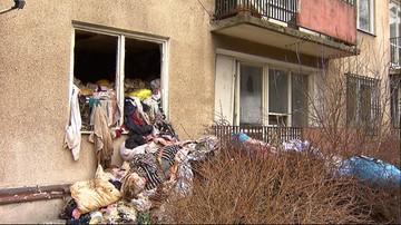 10-03-2016 18:56 Gdańsk: tony śmieci w mieszkaniu