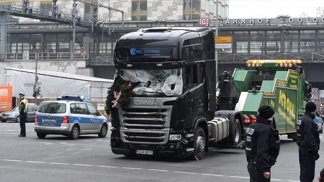 Niemcy: Zatrzymanie Tunezyjczyka powiązanego z zamachowcem z Berlina