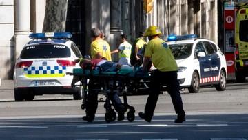 17-08-2017 22:52 Furgonetka wjechała w tłum ludzi w Barcelonie. Są zabici i wielu rannych. Agencja AMAQ: do ataku przyznało się Państwo Islamskie