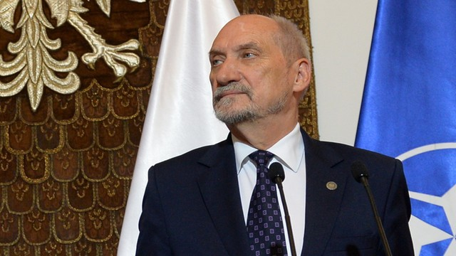 Macierewicz: zaciąg do obrony terytorialnej rozpocznie się we wrześniu