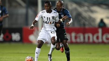 2016-12-09 To się nazywa mieć fantazję! Gracz Atletico Mineiro strzelił gola z... własnej połowy (WIDEO)