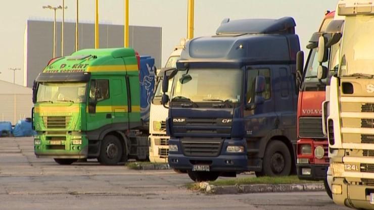 Celnicy przygotowują się do powrotu ciężarówek na polsko-rosyjskie przejścia graniczne