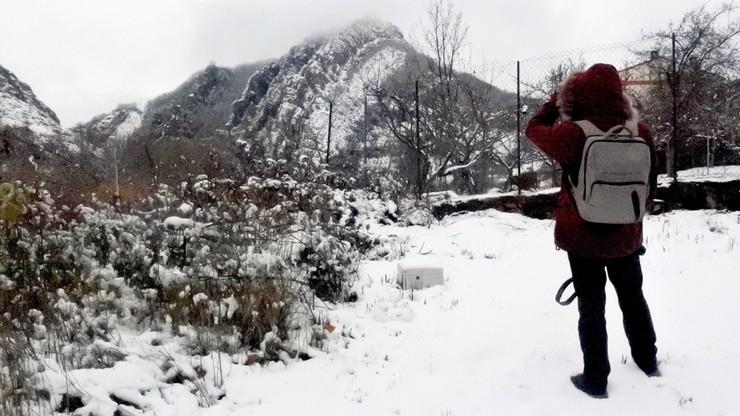 Śnieżyce sparaliżowały ruch na ok. 90 drogach w Hiszpanii. Spodziewane jest pogorszenie pogody
