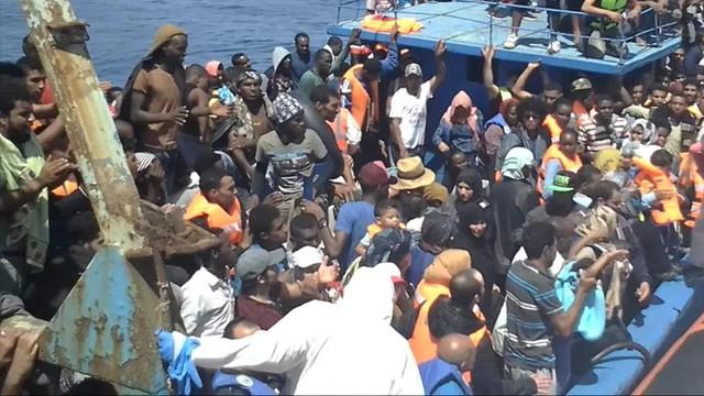 Włochy: 1200 migrantów uratowanych na Morzu Śródziemnym