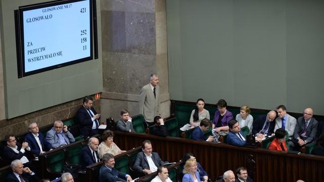 Sejm uchwalił kontrowersyjną ustawę o uzgodnieniu płci