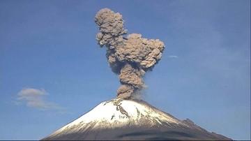03-07-2017 10:51 Wulkan wyrzucił chmurę popiołu. 20 milionów ludzi w strachu