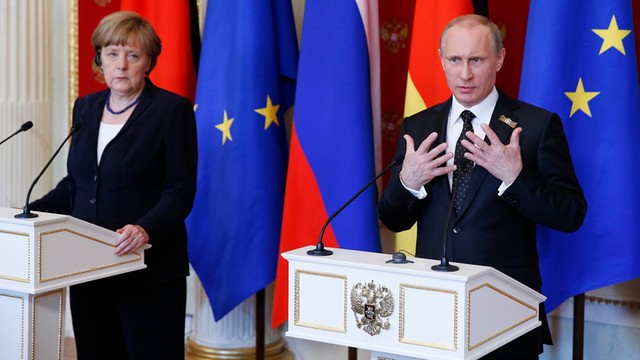 Putin liczy na kontynuowanie współpracy z Merkel