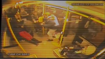 02-03-2016 15:09 Bohaterska postawa kierowcy autobusu w Warszawie. Uratował życie pasażerce
