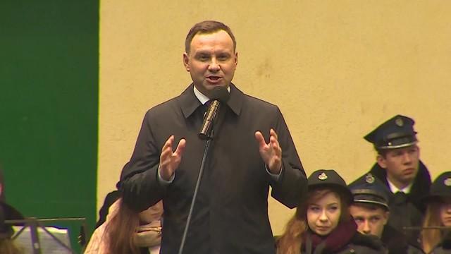 Andrzej Duda rzecznikiem PiS? Prezydent jeździ po Polsce i chwali rząd