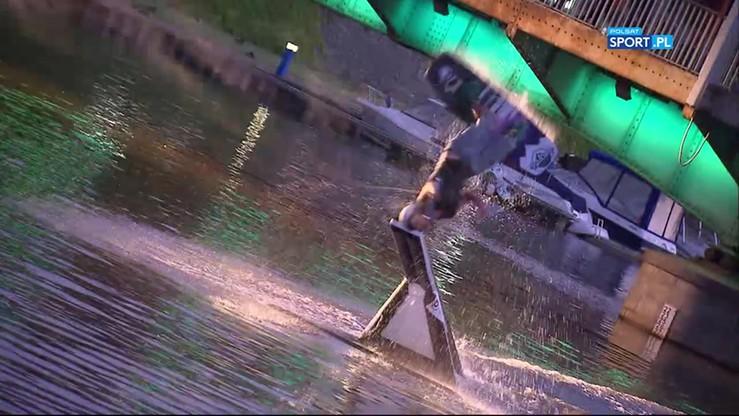 Nocny wakeboarding we Wrocławiu