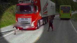O włos od tragedii. Dziecko wbiegło pod rozpędzoną ciężarówkę