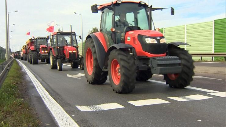 Rolnicy protestują koło Białej Podlaskiej na drodze krajowej nr 2