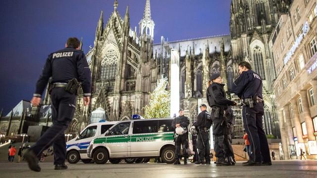 Niemcy: wewnętrzny raport obciąża kierownictwo policji w Kolonii