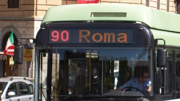 Pożary autobusów w Rzymie wywołują zaniepokojenie i protesty