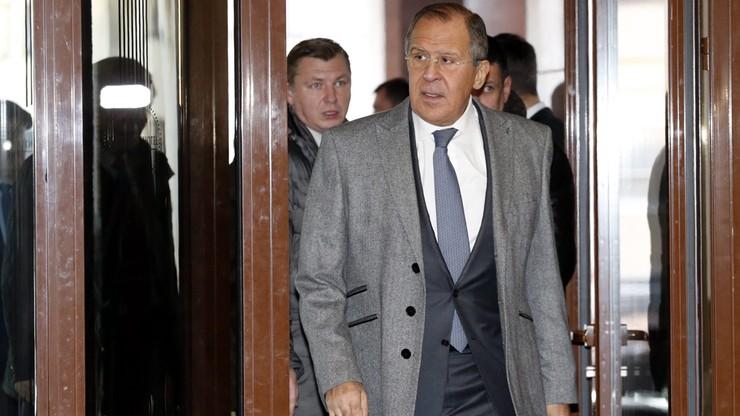 """Ławrow: Rosja wzmacnia siły na wschodniej flance """"zmuszona"""" przez NATO"""
