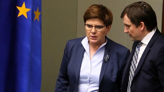 Premier Beata Szydło: to rezolucja przeciwko państwu polskiemu
