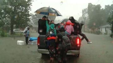 Katastrofalna powódź w Teksasie. Służby apelują do mieszkańców posiadających łodzie, żeby pomogli w akcjach ratunkowych