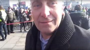 25-05-2016 20:04 Grzegorz Schetyna na marszu KOD-u miał uderzyć  dziennikarza. Jest śledztwo