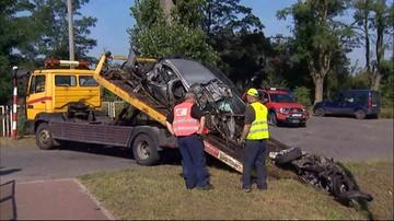 09-09-2016 09:28 Pociąg uderzył w samochód. Jedna osoba zginęła