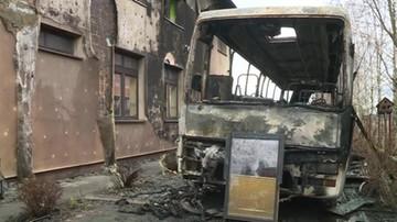 Pożar szkoły w Ilkowicach. Najpierw zapalił się szkolny autobus