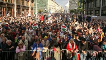 16-10-2016 18:50 Opozycyjny wiec w Budapeszcie. Protestowano przeciwko korupcji i ograniczaniu wolności
