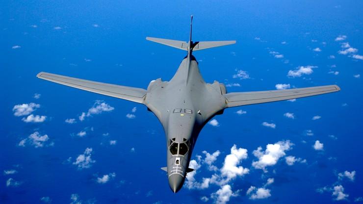 Manewry sił powietrznych USA i Korei Płd. Amerykański bombowiec strategiczny przeleciał nad Półwyspem Koreańskim