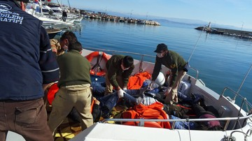 08-02-2016 21:55 Grecki minister obrony: zawracać do Turcji łodzie z migrantami