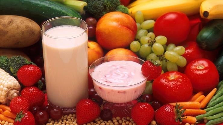 PE: 250 mln euro rocznie na mleko, owoce i warzywa w szkołach