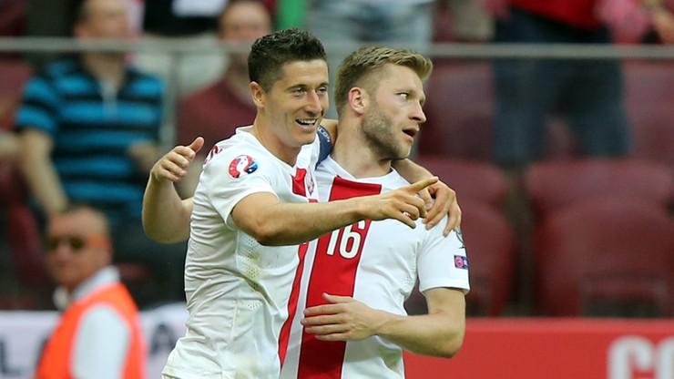 Hat-trick Lewandowskiego, asysta Kuby, Polska ciągle liderem! Skrót meczu