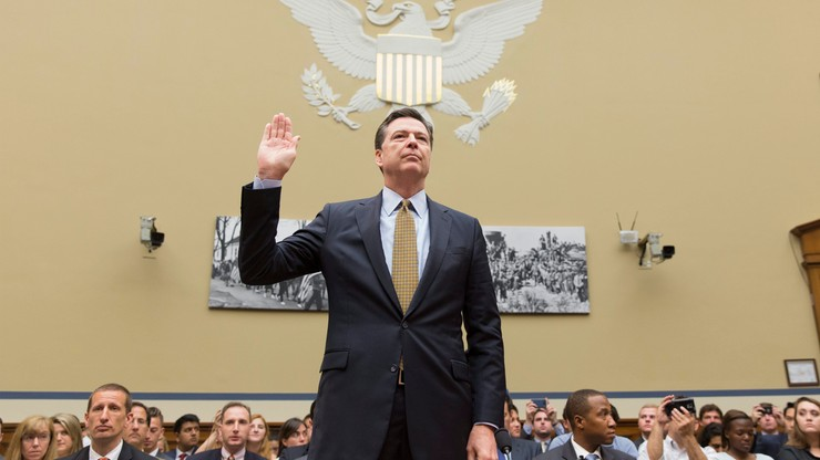 Szef FBI broni decyzji o nie stawianiu zarzutów dla Clinton