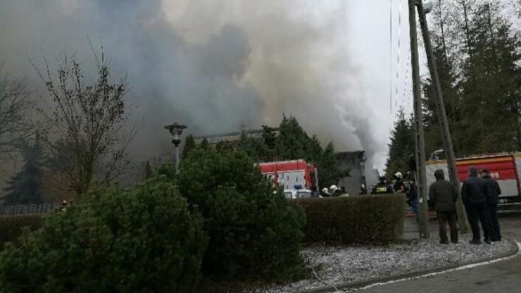 Pożar hali zakładów mięsnych koło Drobina
