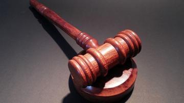 11-10-2017 17:32 Został skazany za posiadanie i rozpowszechnianie pornografii dziecięcej. Wcześniej wykładał na politechnice