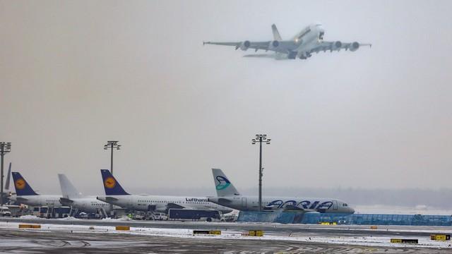 Lotnisko we Frankfurcie odwołało 170 lotów z powodu śniegu