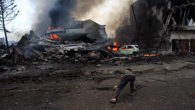 Indonezja: rozbił się samolot wojskowy, co najmniej 20 ofiar