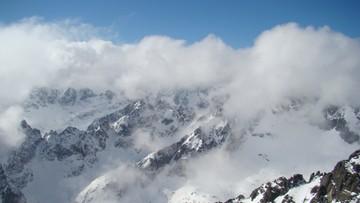 07-02-2016 22:35 Trzeci stopień zagrożenia lawinowego w Tatrach