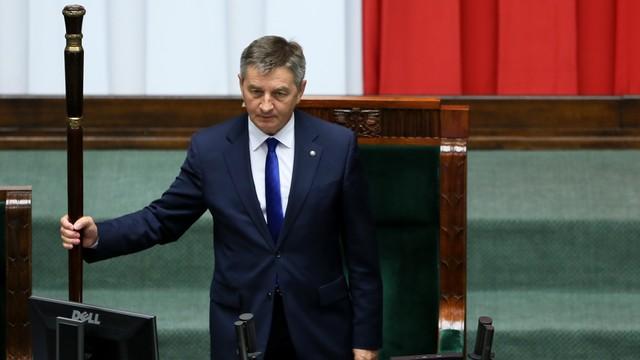 Marszałek Sejmu: Projekt dezubekizacyjny wraca do komisji