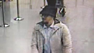 28-03-2016 17:23 Belgia: domniemany zamachowiec z lotniska na wolności. Brak dowodów