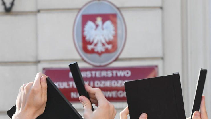 """""""Przyczyną odwołania dyrektor PISF naruszenie przepisów prawa"""". Gliński w liście do Wima Wendersa"""