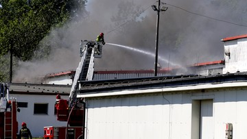 23-05-2016 15:34 Pożar w zakładach chemicznych w Chorzowie. Ewakuacja pensjonariuszy domu pomocy społecznej