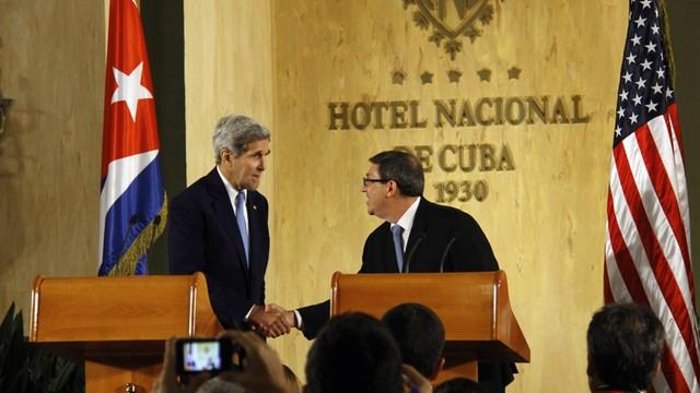 Jeb Bush krytykuje krytykuje wizytę Kerry'ego na Kubie