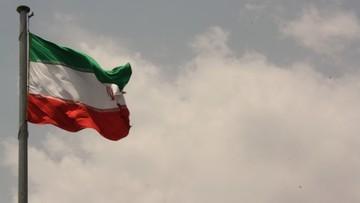 19-04-2017 07:19 Trump polecił zbadanie, czy zniesienie sankcji wobec Iranu jest w interesie USA