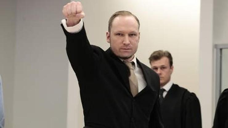 Breivik został zatrzymany w Niemczech dwa lata przed zamachami. Miał elementy broni i amunicję