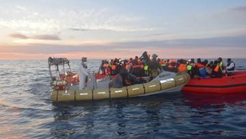 23-02-2016 20:41 Stoltenberg: NATO nie będzie zawracać łodzi z uchodźcami na Morzu Egejskim