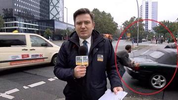 25-09-2017 11:56 Bohaterowie drugiego planu. Awaria auta za plecami reportera Polsat News