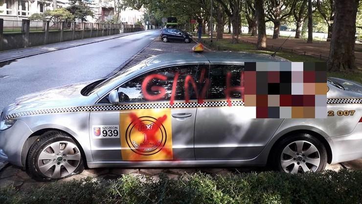 """Ktoś zdewastował """"tanią taksówkę"""" w Szczecinie. Właściciel podejrzewa konkurencję"""