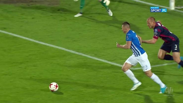 Pogoń - Lech: Solowy gol Robaka!