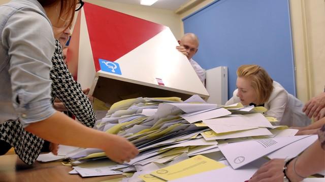 Płock: będzie dochodzenie ws. odnalezionych wypełnionych kart do głosowania