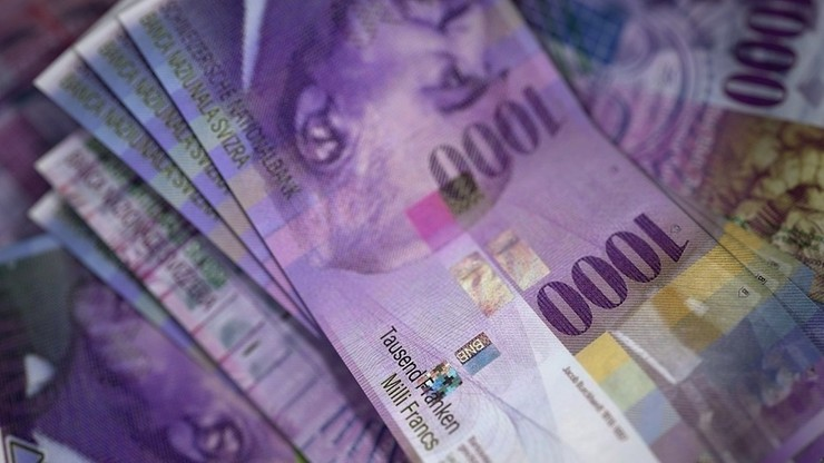 Państwowy urząd wsparł frankowiczów w sporze z mBankiem