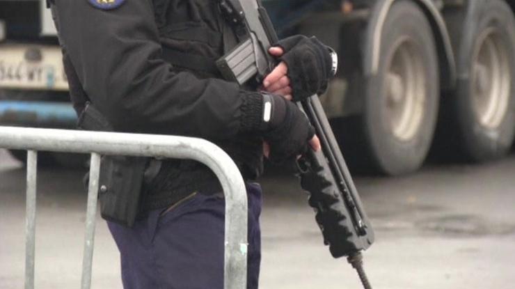 Dziesiątki dodatkowych zabezpieczeń przed szczytem w Paryżu